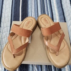 Born leather sandals brand new size 8
